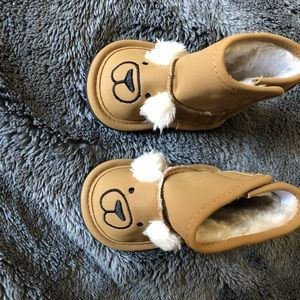 Baby gap fur lined boots